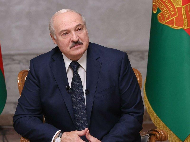 Лукашенко пообещал принять новую конституцию «без ломки и катастроф»