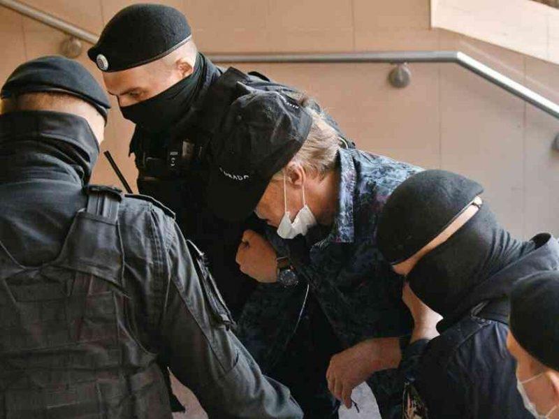 Михаил Ефремов попал в «звездную колонию» Кокорина и Мамаева