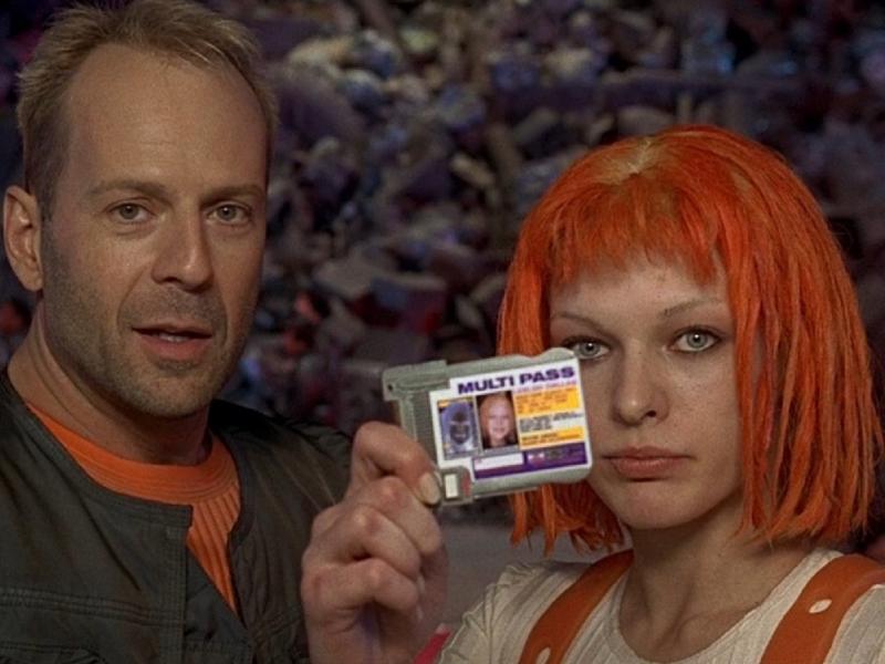 Переход на электронные паспорта в 2021 году: кого это затронет?