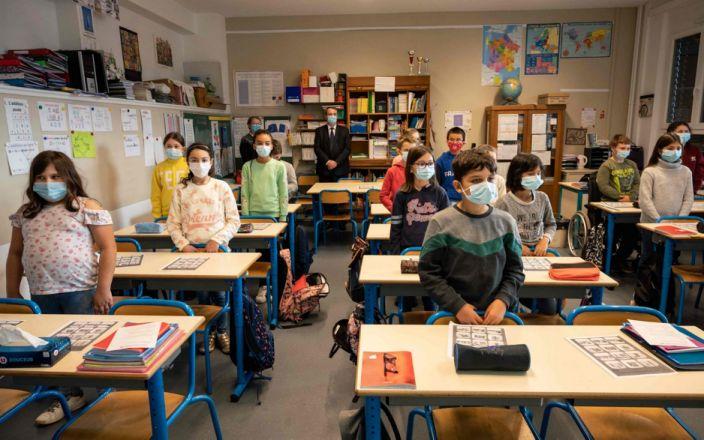 Премьер-министр Франции пригрозил расправой ученикам