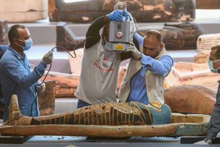 В Египте нашли сокровищницу из более чем 100 саркофагов