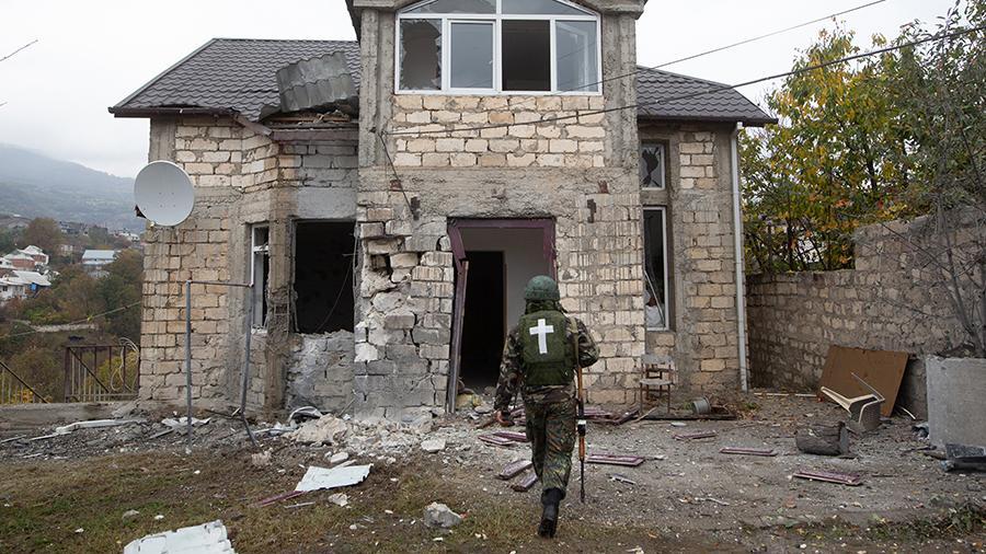 Источник сообщил об эвакуации женщин и детей из Степанакерта