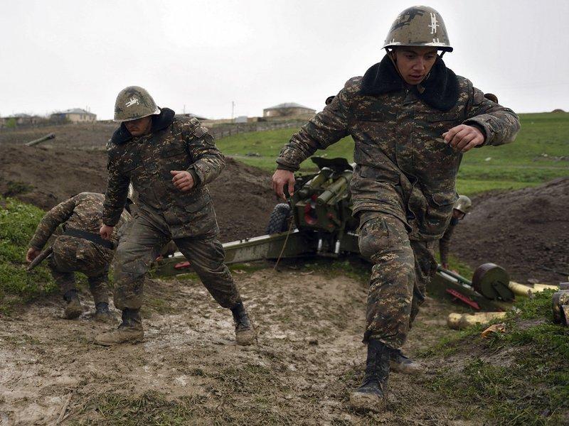Армения обвинила Азербайджан в захвате в плен сотен военных