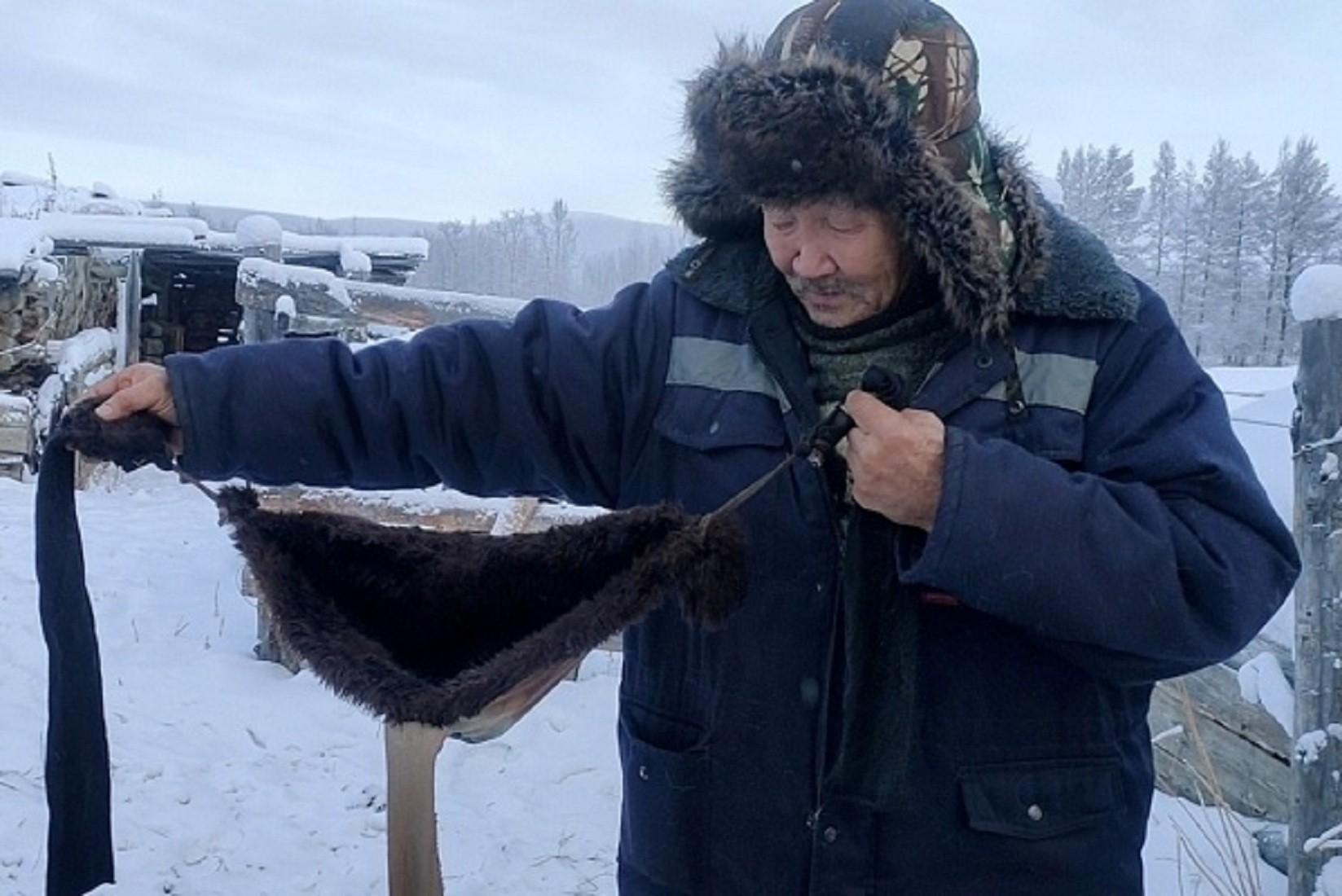 Якутский фермер изобрел бюстгальтер для своих коров