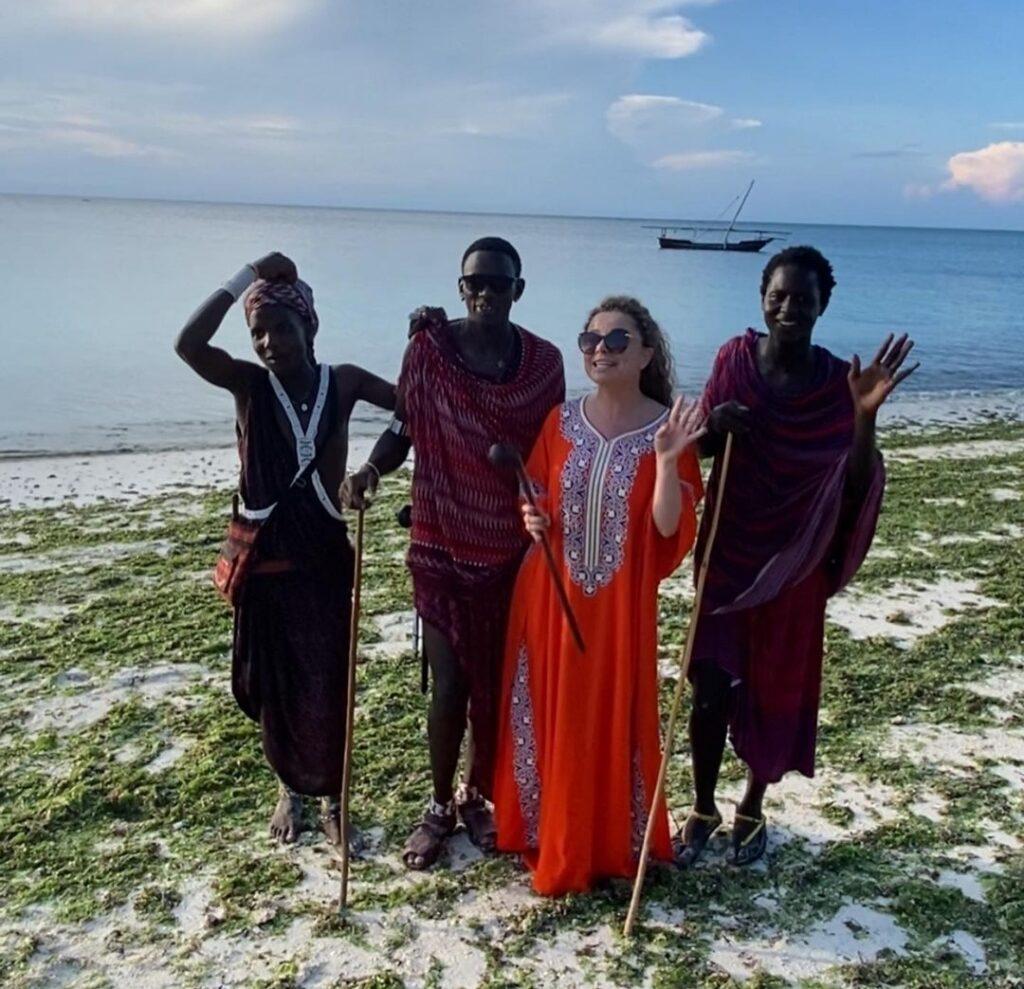 Наташа Королева после измены Тарзана уехала жить к аборигенам