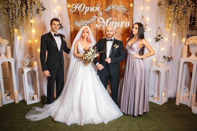 Юрий Толочко с третьей попытки женился на кукле из магазина для взрослых