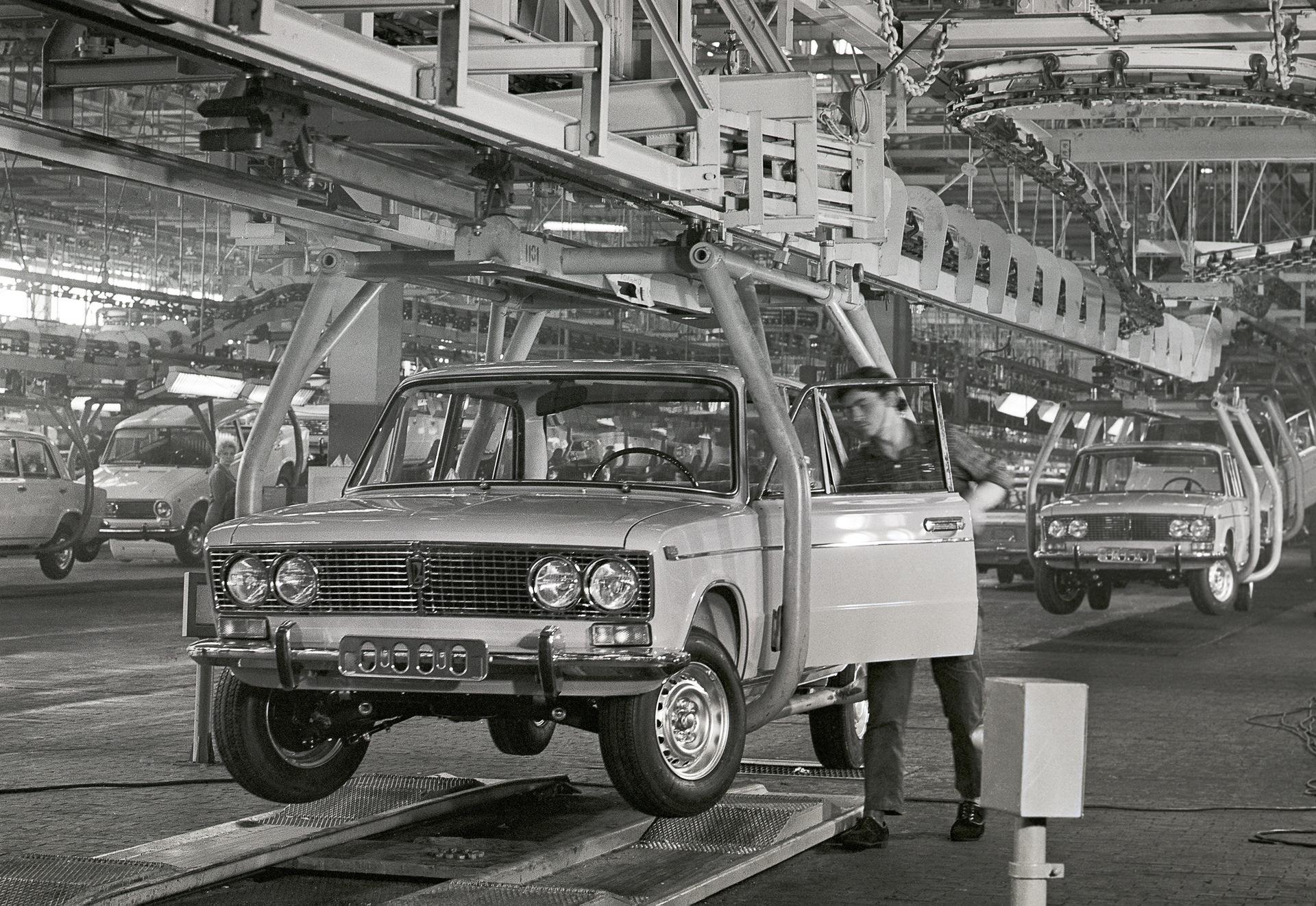Сколько автозаводов было в СССР и сколько их осталось в России?