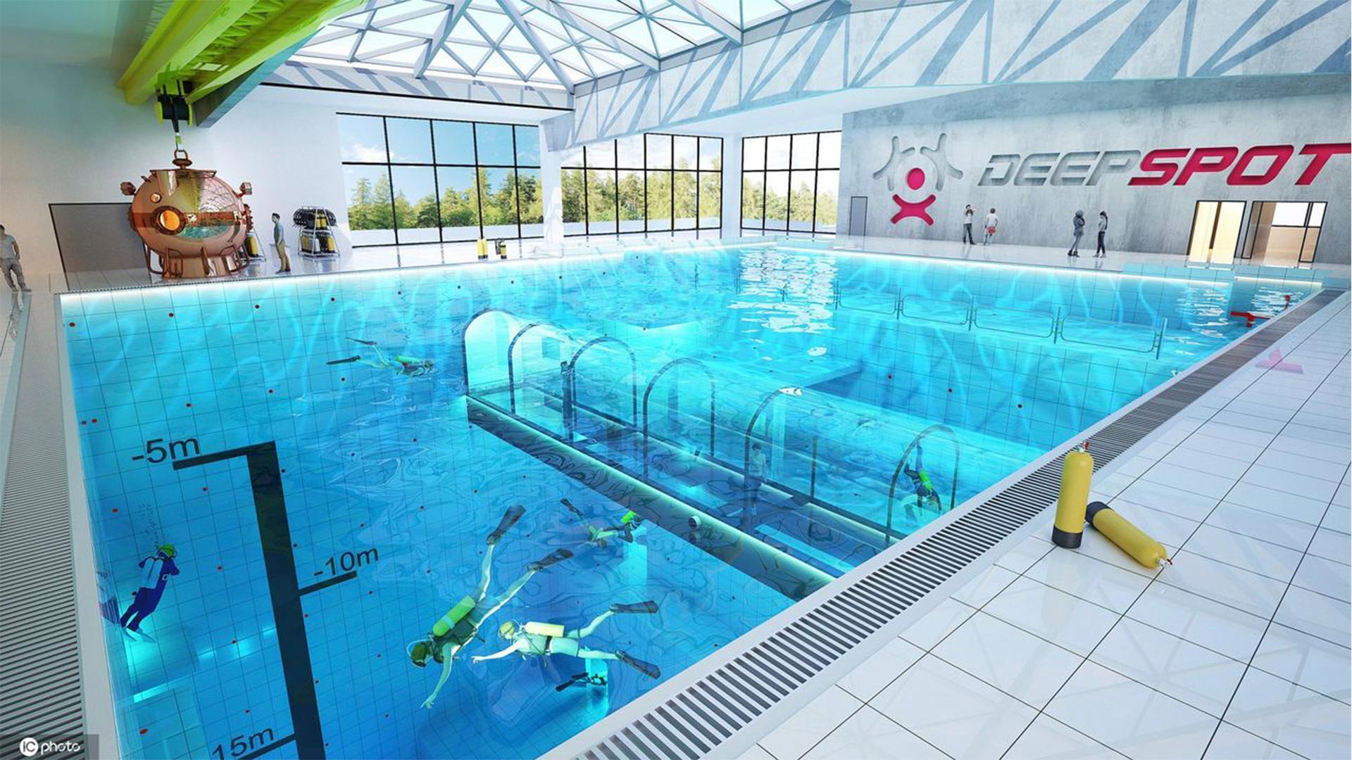 Недалеко от Варшавы (Польша) открылся самый глубокий в мире бассейн