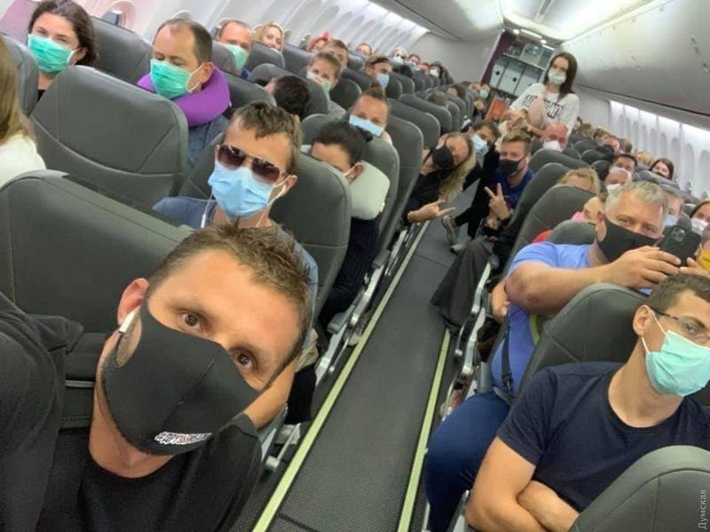 «Аэрофлот» перестанет пускать на борт пассажиров без масок