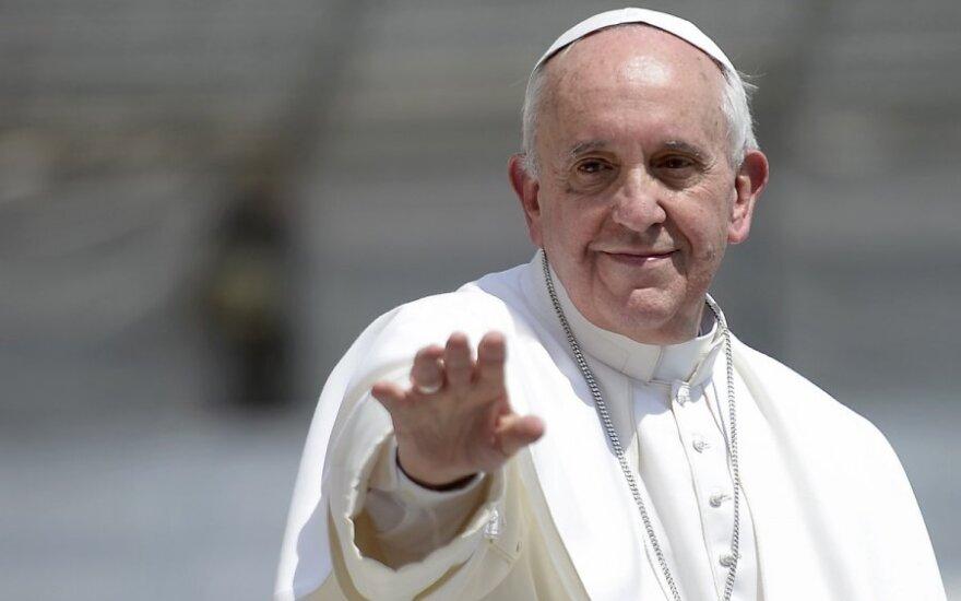 Папа Франциск официально лишил секретариат Ватикана его финансовых активов