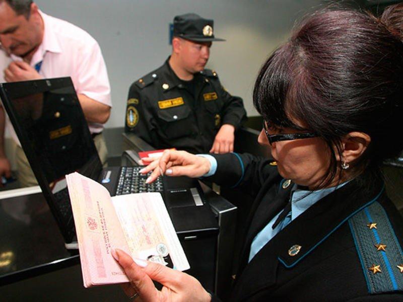 4 млн россиян не могут выехать за границу из-за долгов