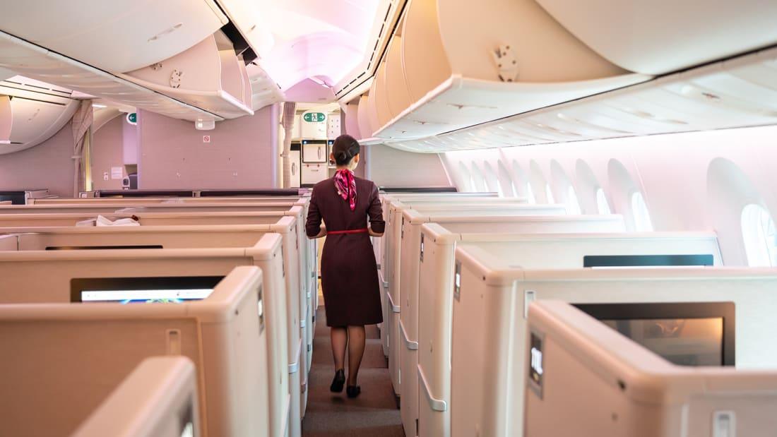 Стюардессам из Китая посоветовали носить подгузники для защиты от Covid