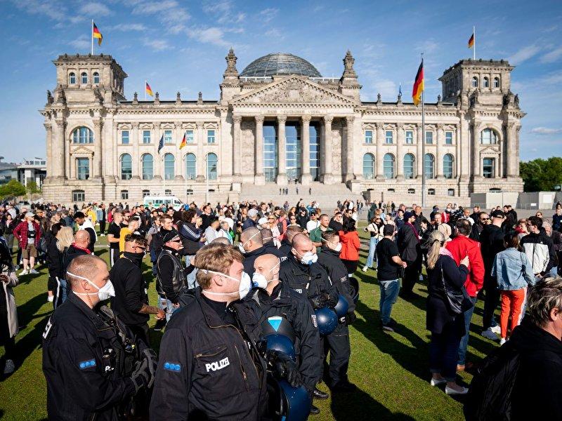 В Германии вводят карантин на все праздники