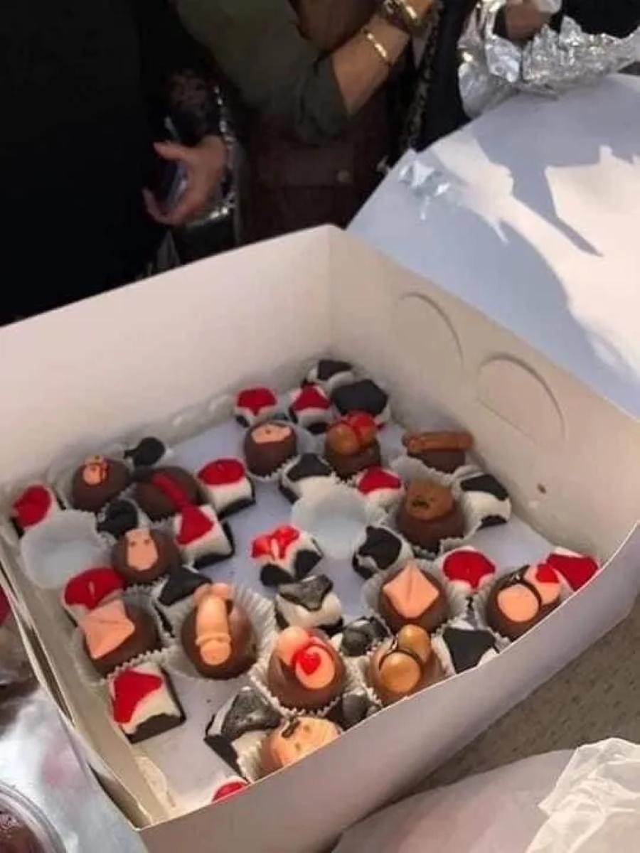 В Египте женщину арестовали за выпеченные в форме гениталий торты