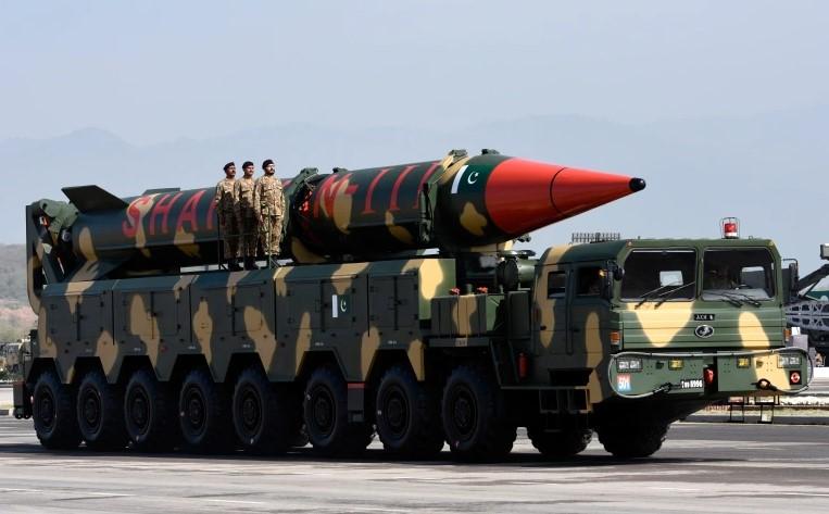 Пакистан успешно испытал ракету средней дальности