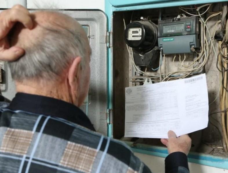 """Россиянам посулили """"репрессии"""" из-за долгов за электричество"""