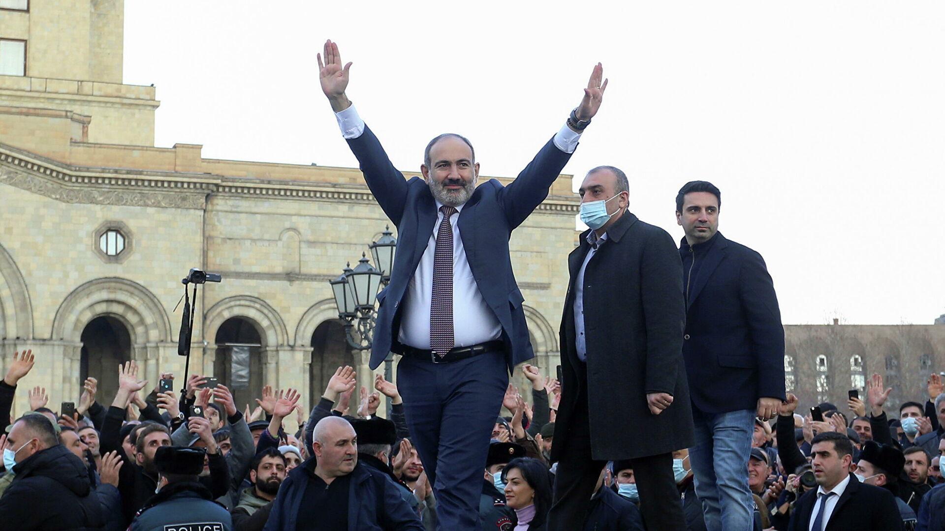 Сможет ли премьер-министр Пашинян пережить политический кризис в Армении?