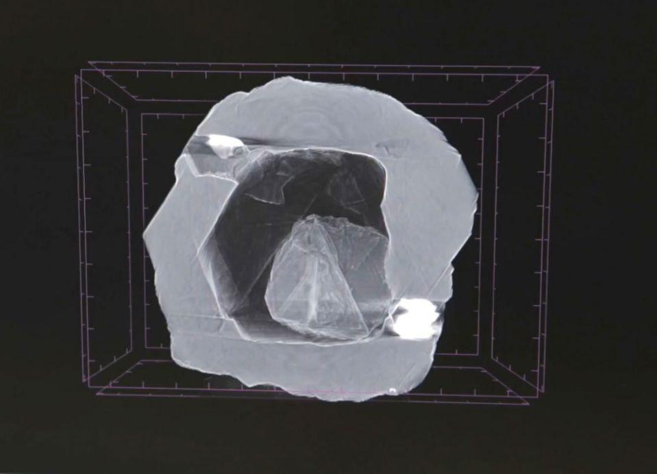 Российские горняки обнаружили алмаз «Матрешку»