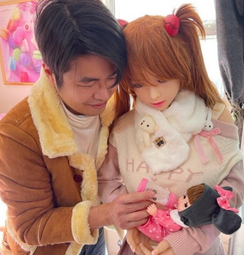У китайца и его резиновой куклы появился ребёнок