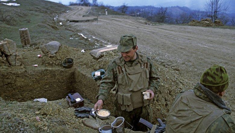 Российским военным заменят всю посуду на пластиковую