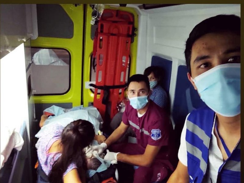 Фельдшер больницы принял роды в машине скорой помощи