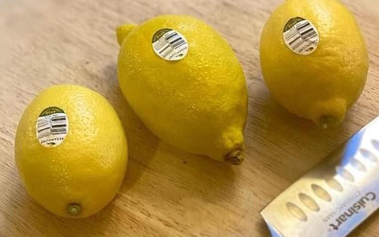 Женщина обманула пользователей сети с помощью трех лимонов