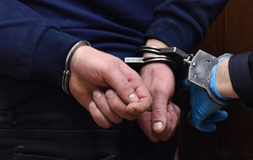 Полицейскому, стрелявшему в школьницу за отказ от секса, дали условный срок