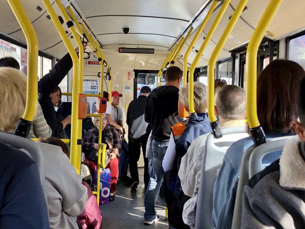В ХМАО пассажира автобуса избили за критику Путина