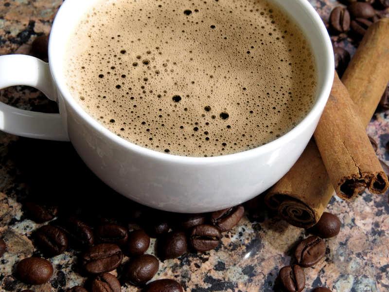 Врач рассказала, в каких случаях кофе представляет опасность для здоровья