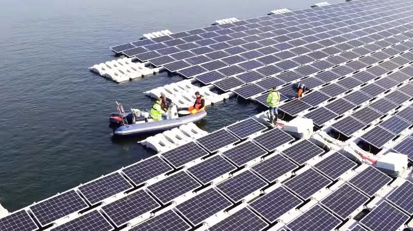 Таиланд строит огромную плавучую солнечную электростанцию