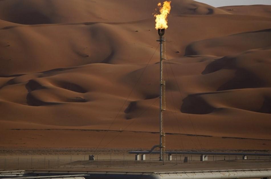 Почему государства Ближнего Востока распродают нефтяные активы?