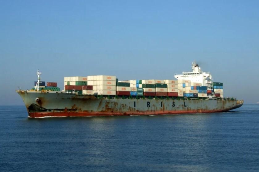 Иранский корабль атаковали в Красном море