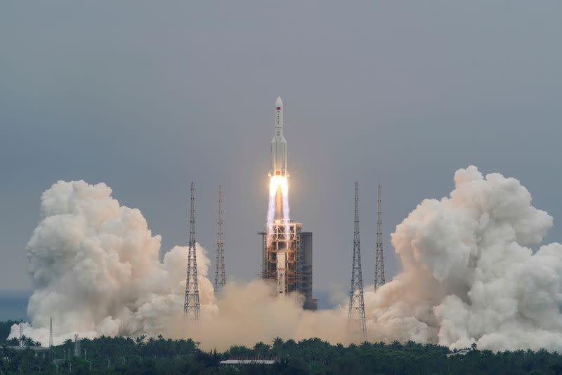 Обломки китайской ракеты упали в Индийском океане