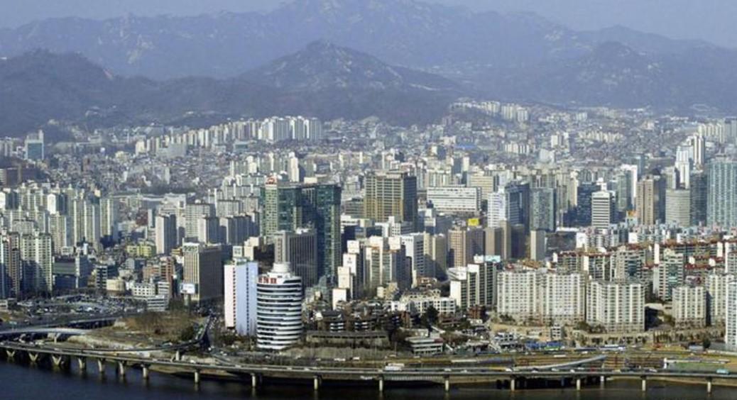 Южная Корея: Бельгия отзывает посла после нападения жены на рабочих