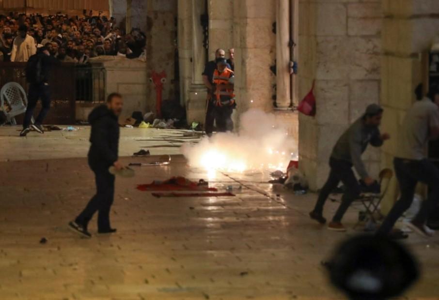 В столкновениях в Иерусалиме пострадали более 170 палестинцев