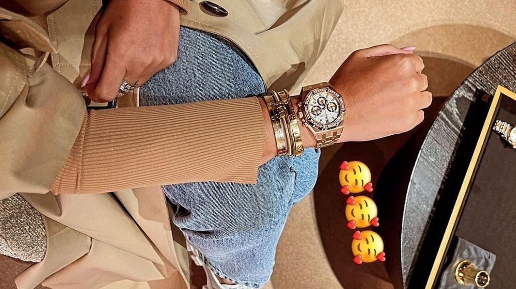 Ксения Бородина вернулась из Дубая и купила часы за 5 миллионов рублей