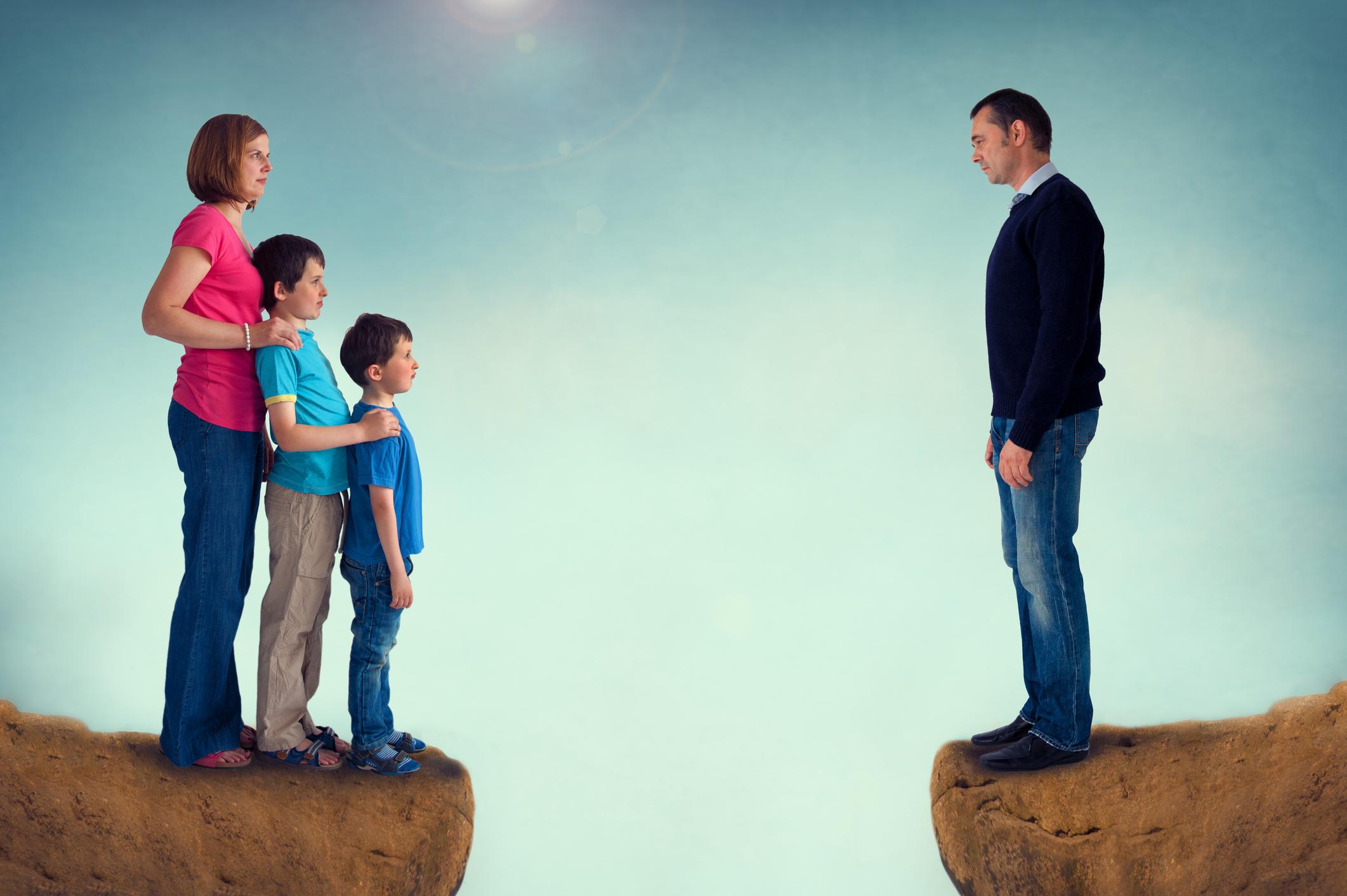 Для скрывающих детей после развода предложили ввести уголовное наказание