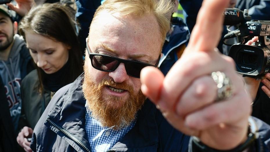 Милонов предложил лишить пенсии коллекторов