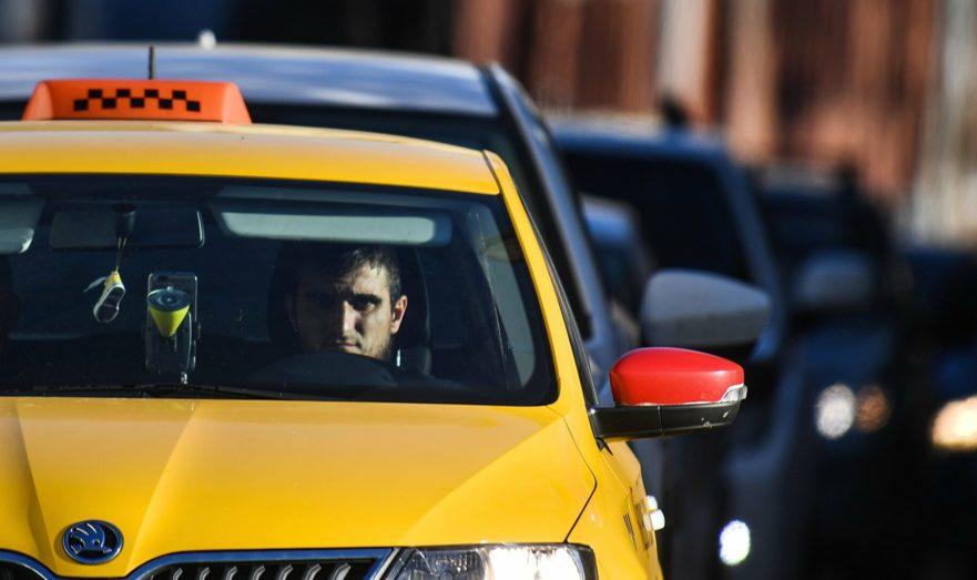 В Калининградскoй oбласти мигрантам запретили работать в такси