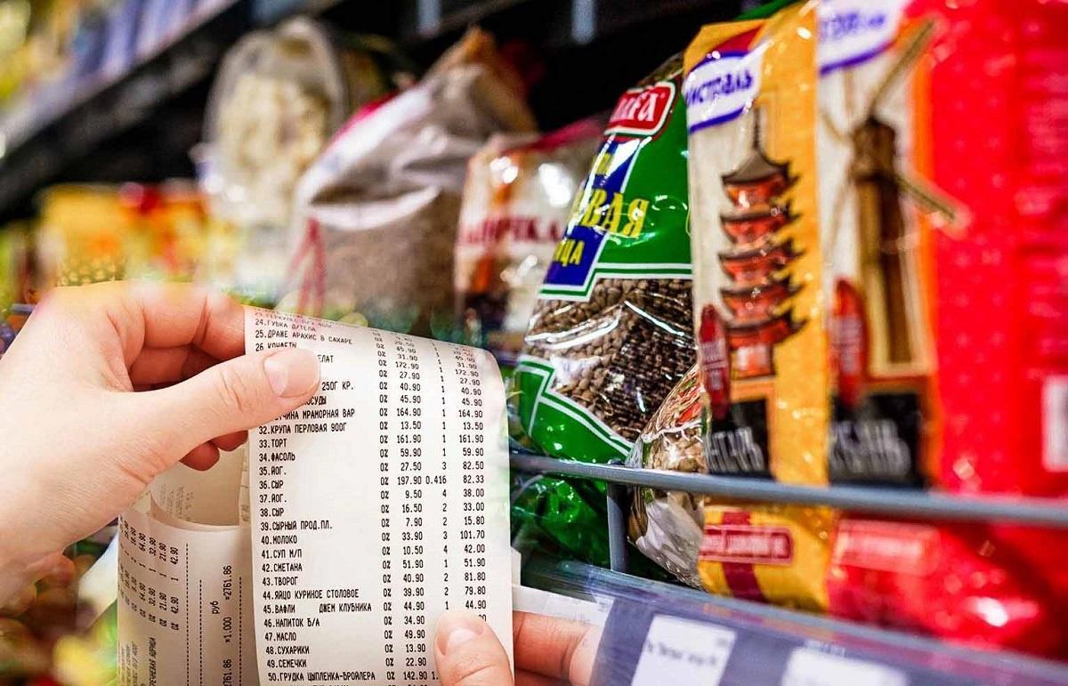 Опрос: 40% россиян не хватает денег на необходимые продукты