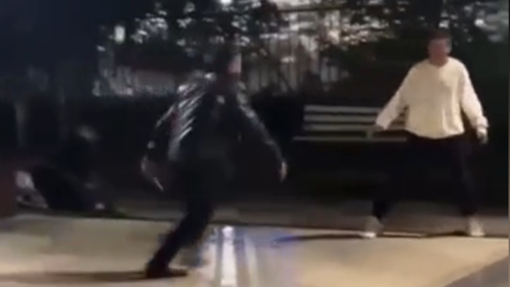 Мигрант ударил ножом подростка, заступившегося за девушек